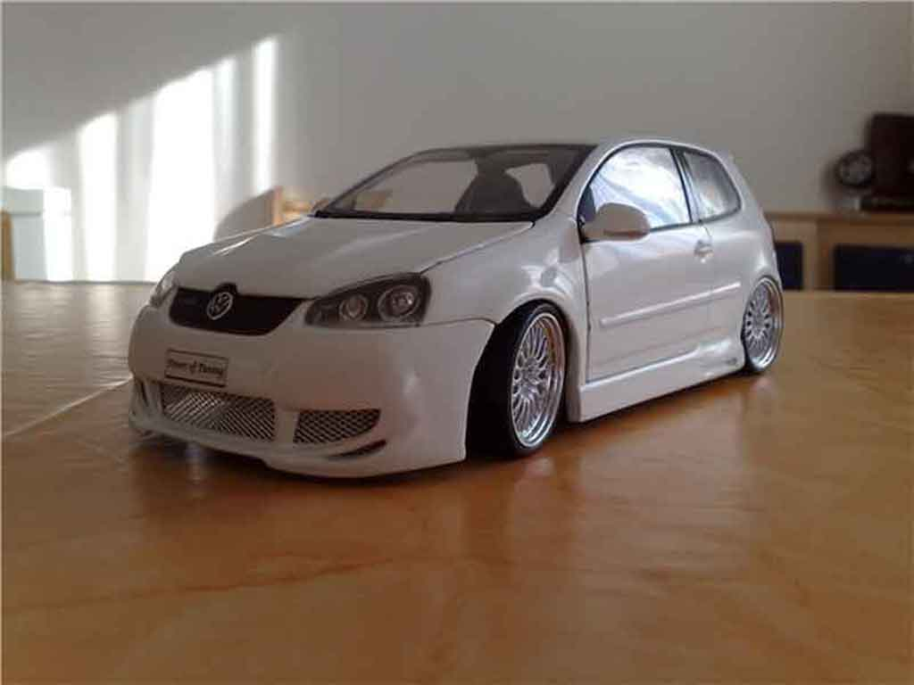 Volkswagen Golf V GTI 1/18 Norev blanche jantes bbs miniature