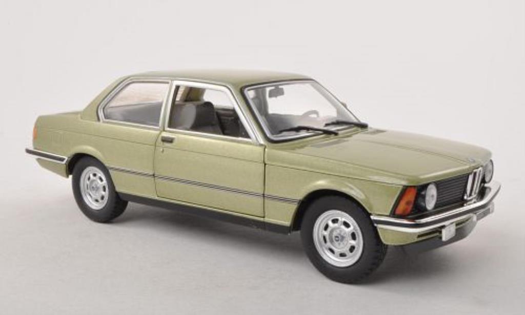 Bmw 318 E21 1/24 WhiteBox i  grun 1981 miniature