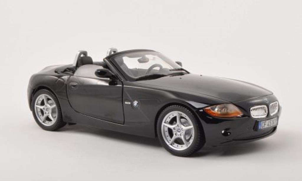 Bmw Z4 E85 1/18 Burago noire Verdeck geoffnet 2003