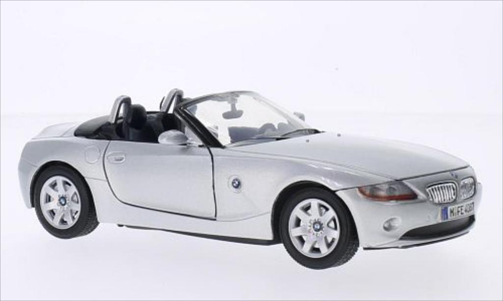Bmw Z4 E85 1/24 Motormax grise 2003 miniature