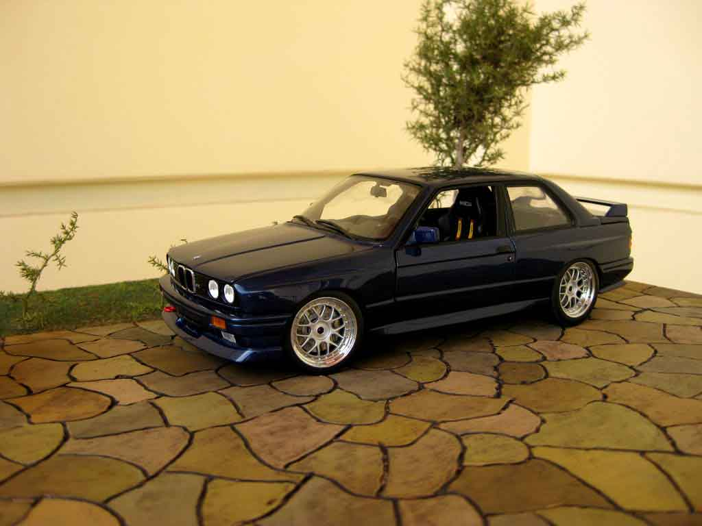 Bmw M3 E30 1/18 Minichamps rsi evolution swap moteur v10 diecast model cars