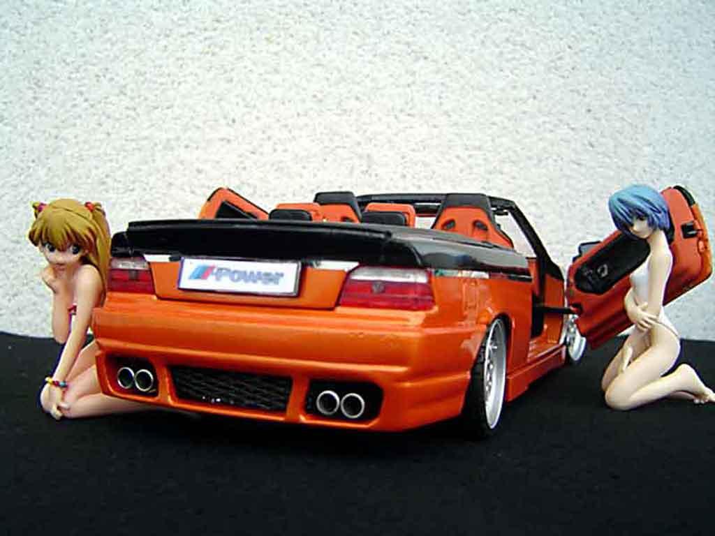 Bmw 325 E36 1/18 Maisto cabriolet jantes rh cup 18 pouces peinture biton orange noir portes papillon miniature
