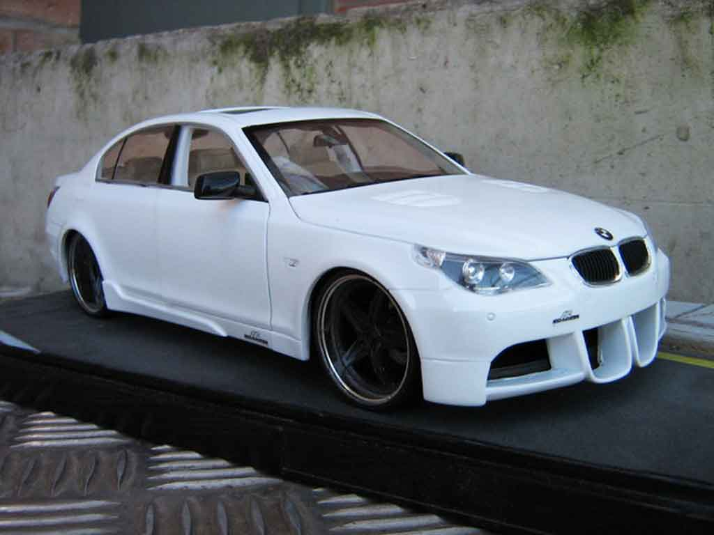 Bmw M5 E60 1/18 Revell ac schnitzer look m6 miniature