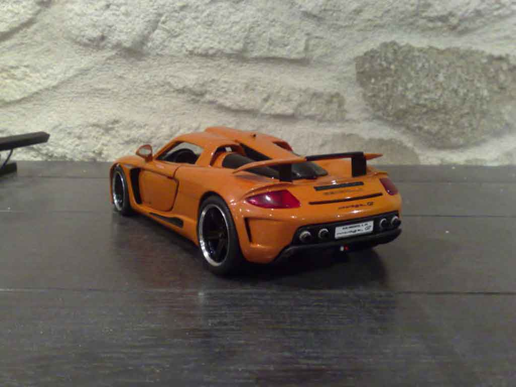 Gemballa Mirage GT 1/18 Maisto orange miniature
