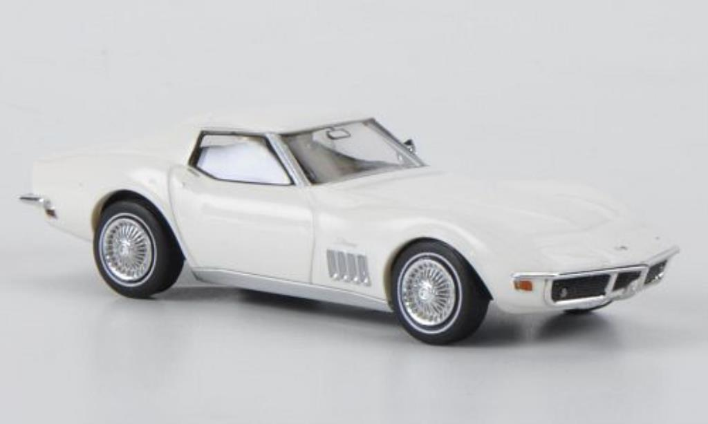Chevrolet Corvette C3 1/87 Brekina C3 white diecast model cars