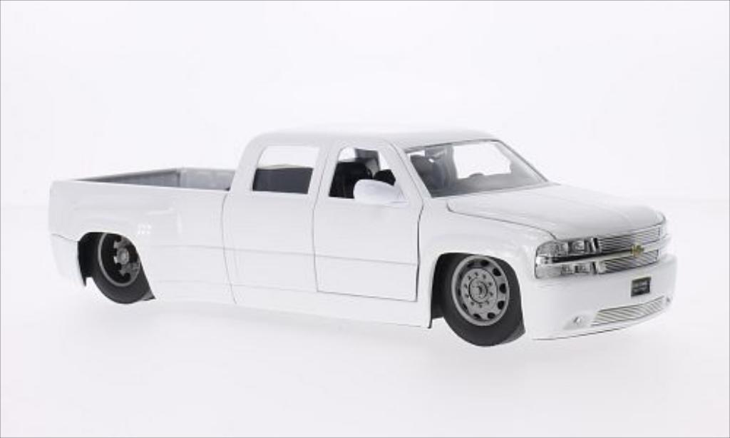 Chevrolet Silverado 1/24 Jada Toys Toys Dooley blanche 1999 miniature