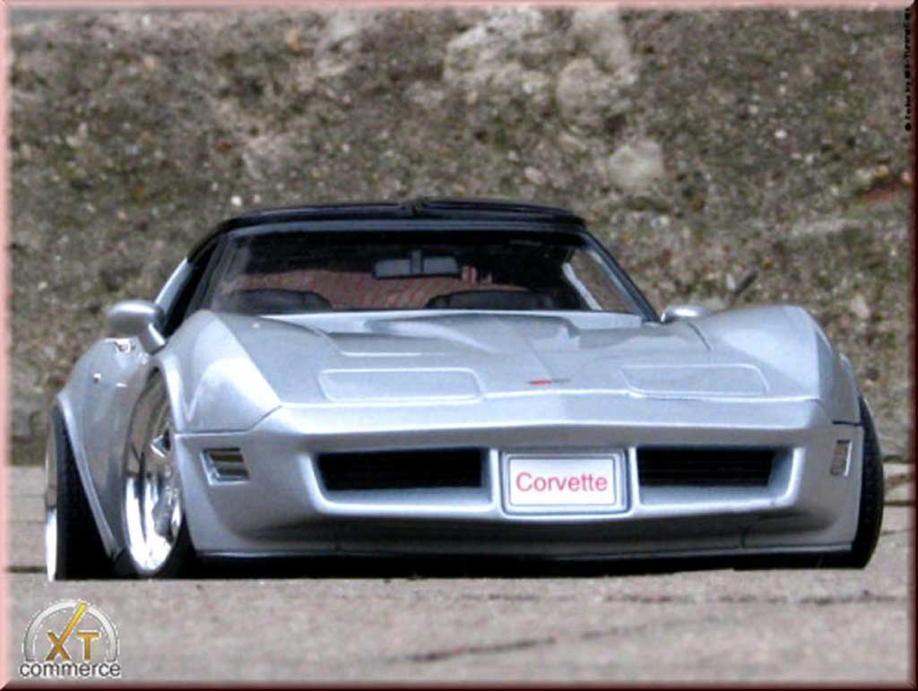 Chevrolet Corvette C3 1/18 Welly grey jantes alu 18 et 19 pouces 1982 diecast model cars