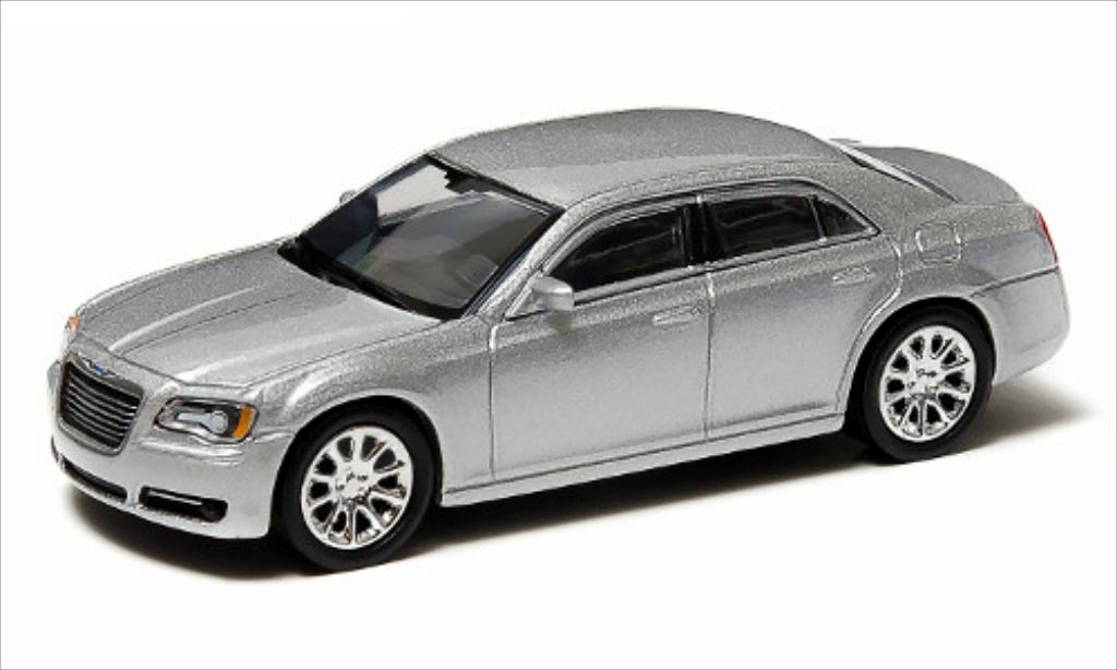 Chrysler 300C 1/64 Greenlight grise 2013 miniature