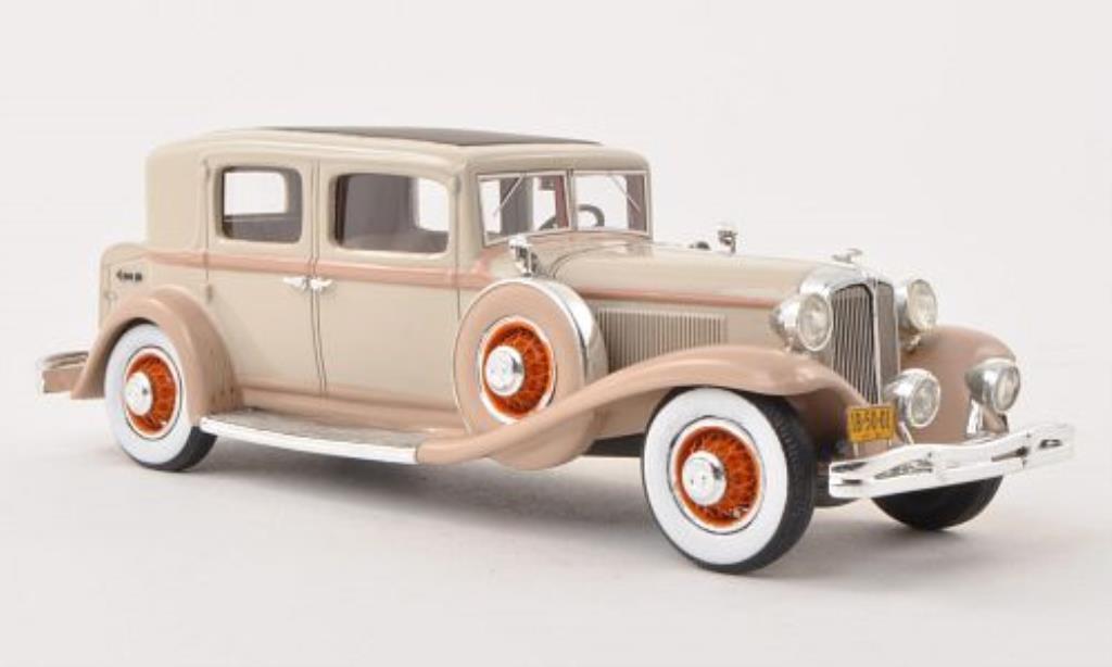 Chrysler Imperial 1/43 GLM CG Club Sedan beige miniature