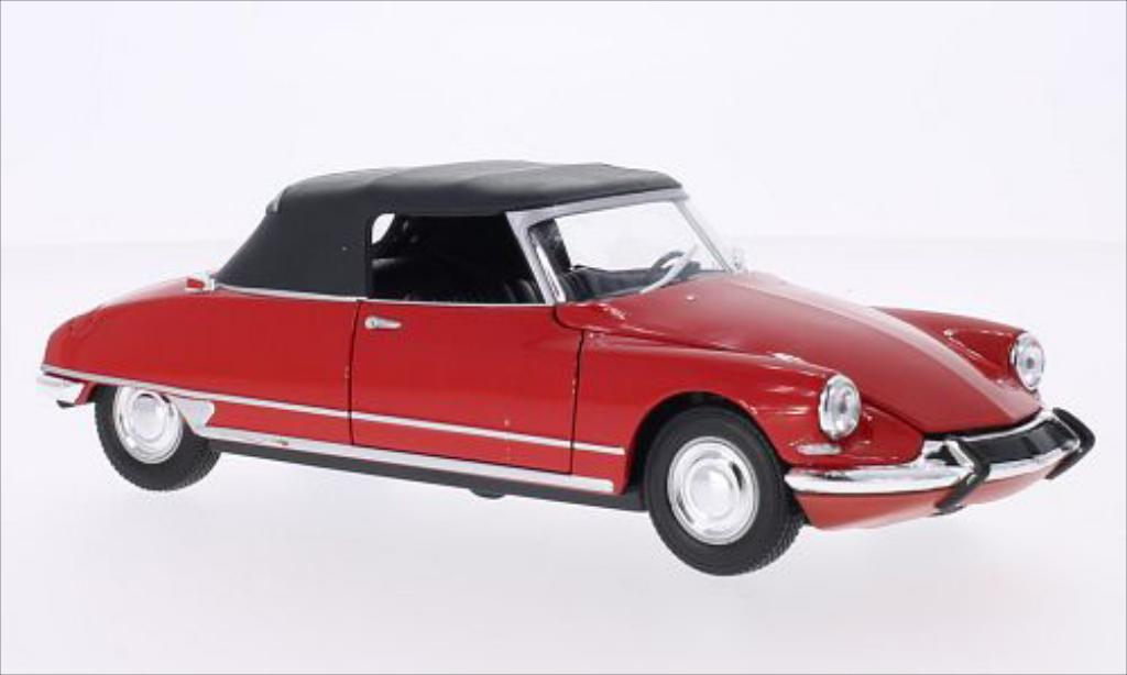 Citroen DS 19 1/24 Welly 19 Cabriolet rouge miniature