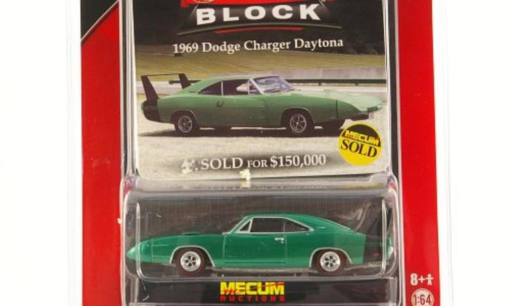 Dodge Charger Daytona 1/64 Greenlight green 1969 diecast