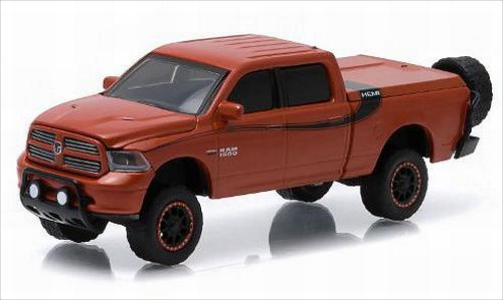 Dodge RAM 1/64 Greenlight 1500 Sport metallise marron/noire 2014 miniature