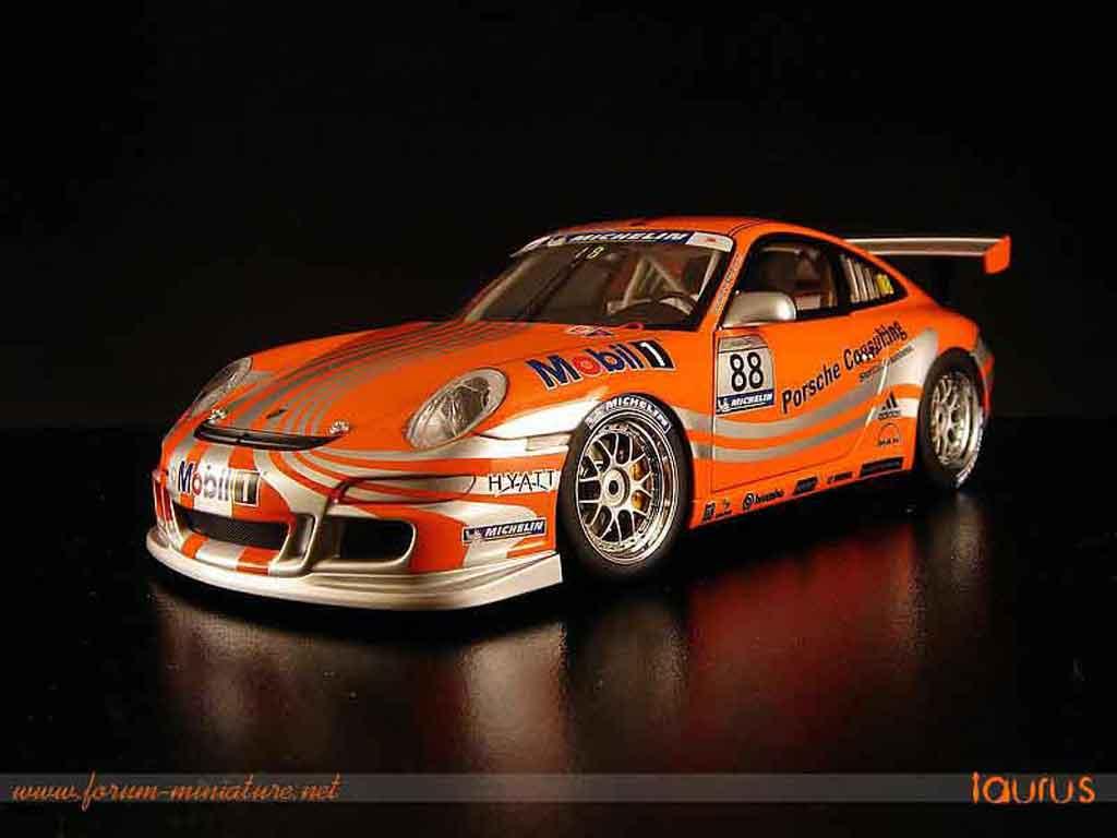 Porsche 997 GT3 Cup 1/18 Autoart vip #88 miniature