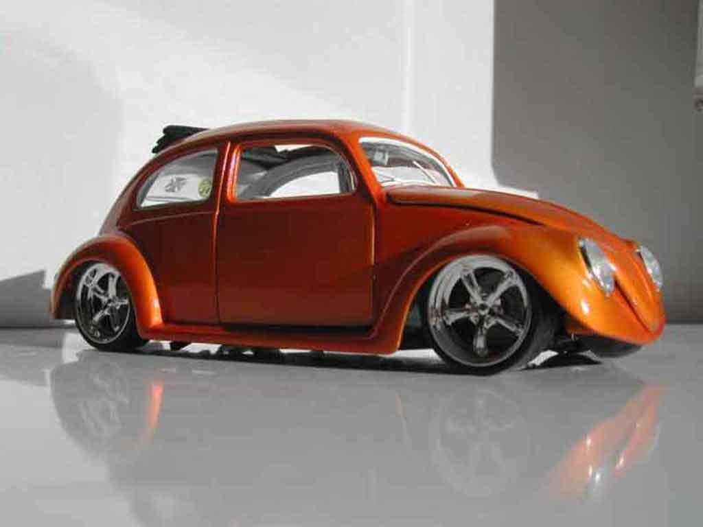 Volkswagen Kafer 1/18 Burago ovale custom miniature