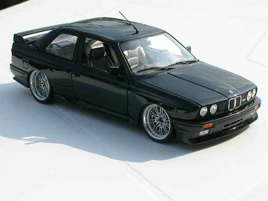 Bmw M3 E30 1/18 Kyosho black jantes e46 a deport diecast model cars