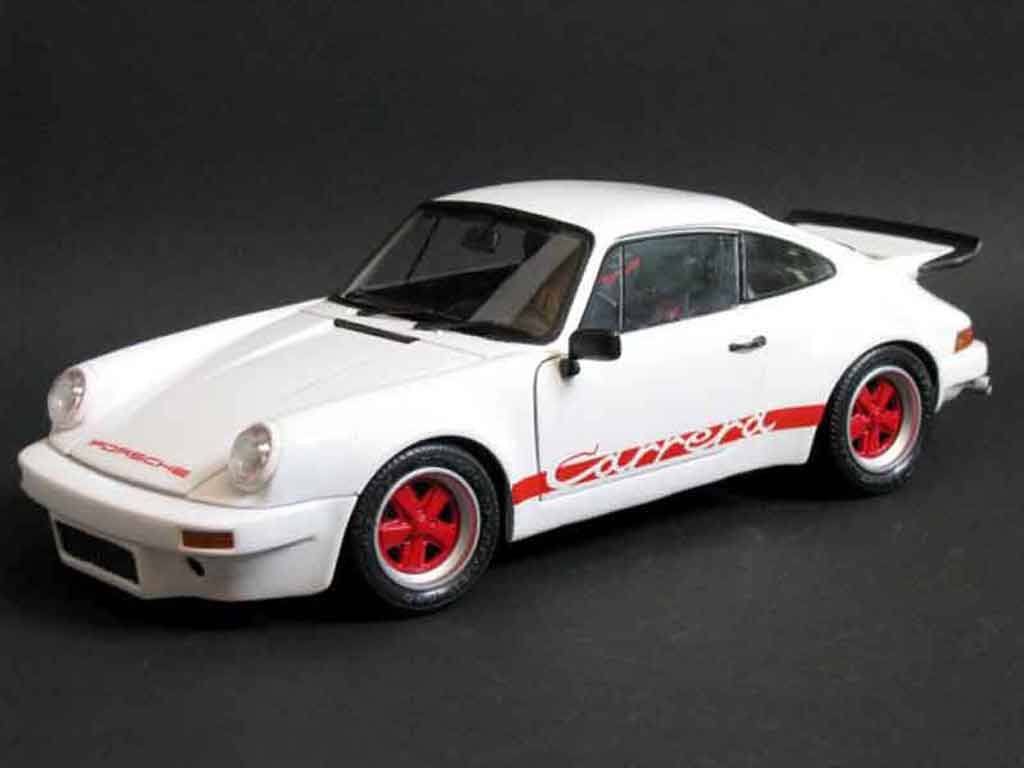 Porsche 911 RS 1/18 Universal Hobbies 3.0 carrera blanche miniature