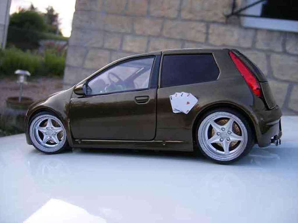 Fiat Punto 1/18 Ricko gt miniature