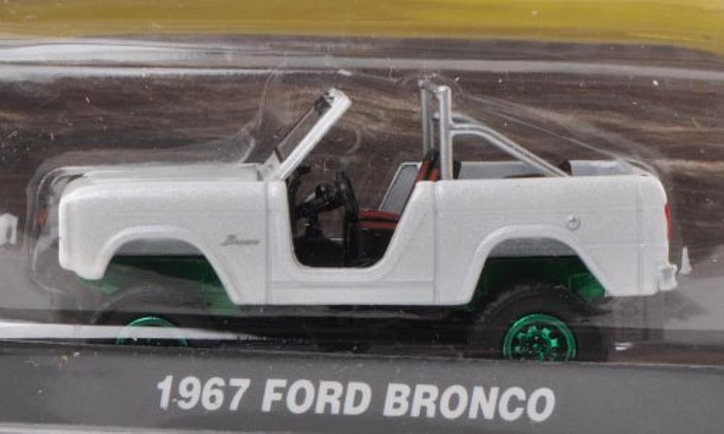 Ford Bronco 1/64 Greenlight blanche Special Version 1967 miniature