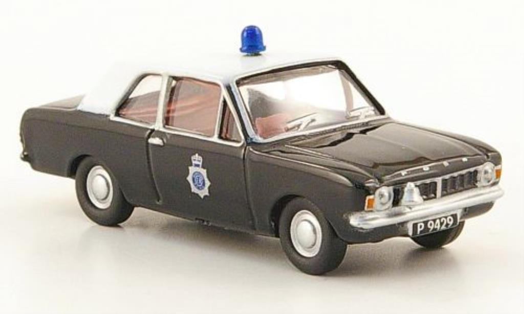 Ford Cortina 1/76 Oxford MKII Hampshire & IOW Constabulary