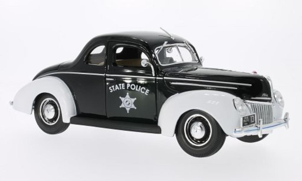 Ford Deluxe 1/18 Maisto State Police noire/blanche 1939 miniature