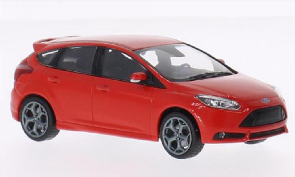 Ford Focus ST 1/43 Minichamps red 2011 diecast