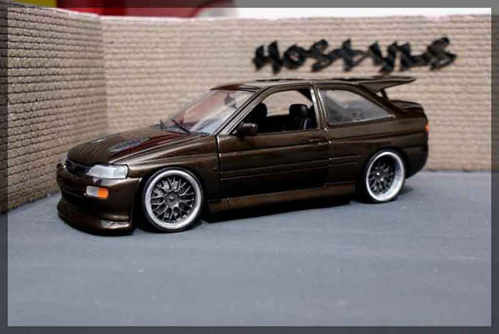Ford Escort Cosworth 1/18 Ut Models darkgolden jantes gt1 miniature