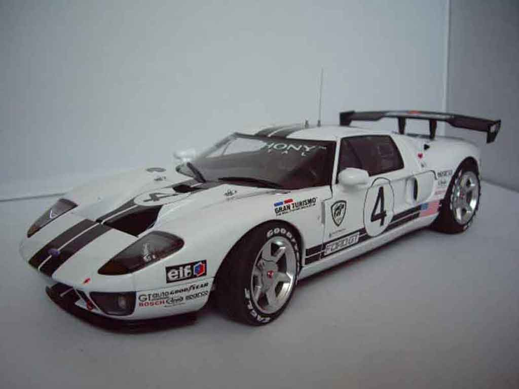 Ford GT 1/18 Autoart lm spec race car # 4 miniature