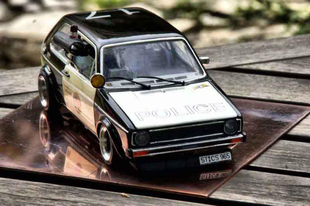 Volkswagen Golf 1 GTI 1/18 Solido police / polizei coche miniatura
