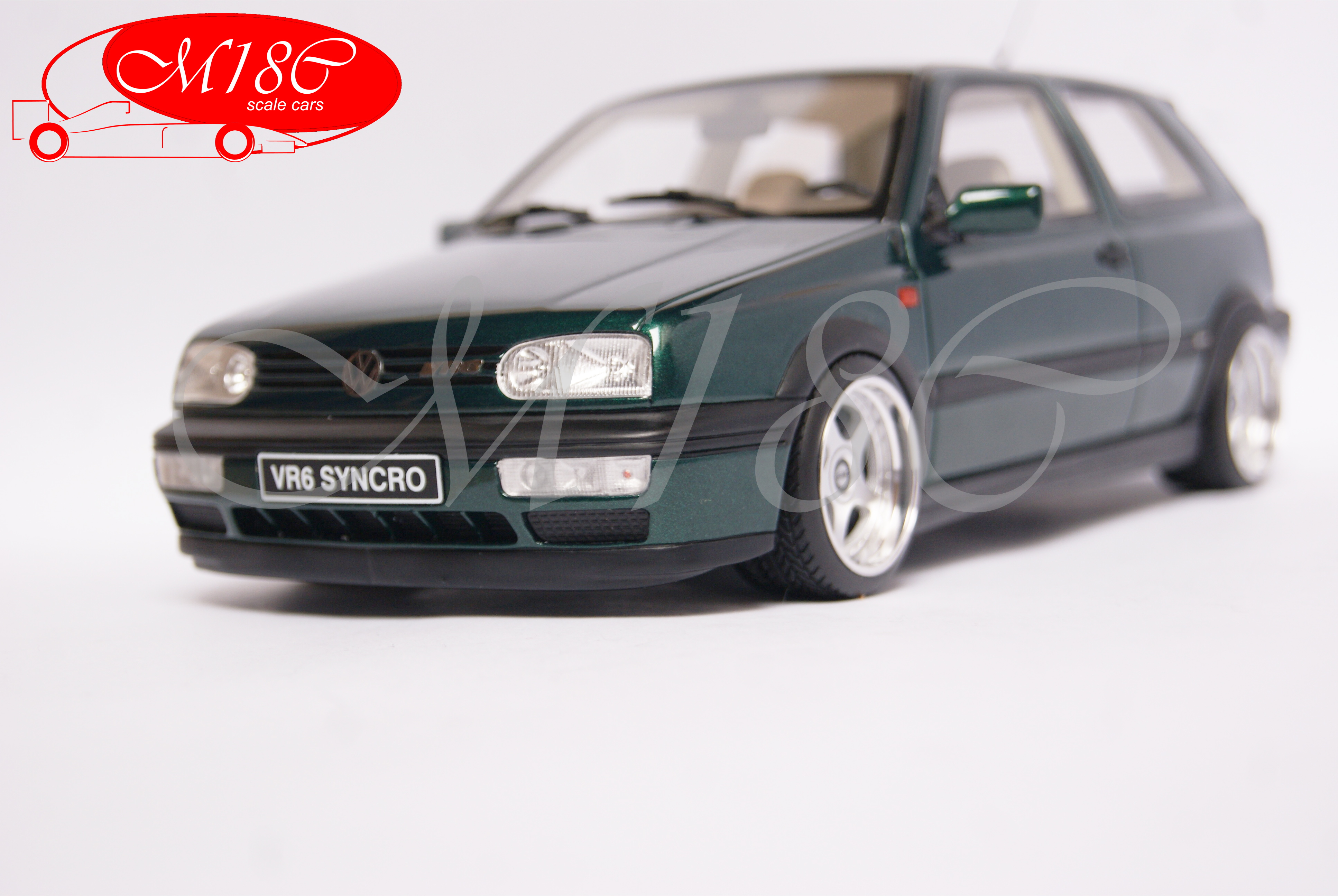 Volkswagen Golf III 1/18 Ottomobile VR6 synchro grun jantes OZ Racing 17 pouces miniature