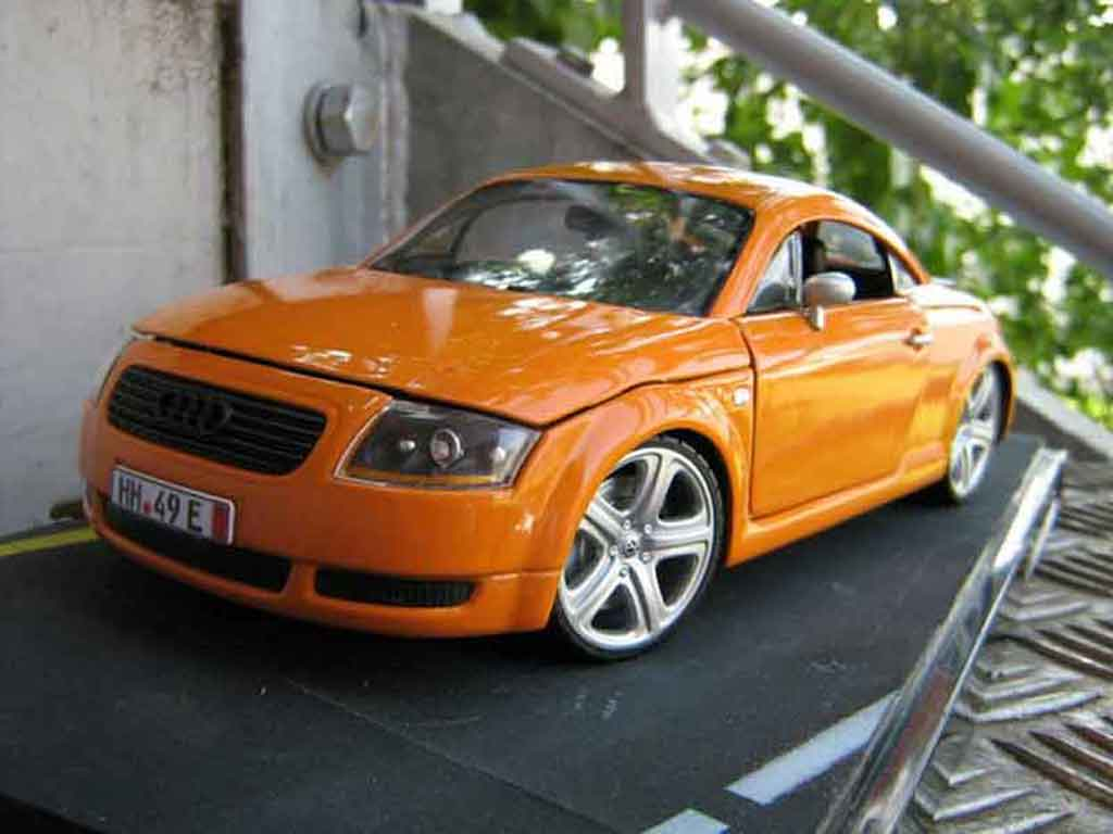 Audi TT coupe 1/18 Revell orangesignal porsche jantes touareg miniature
