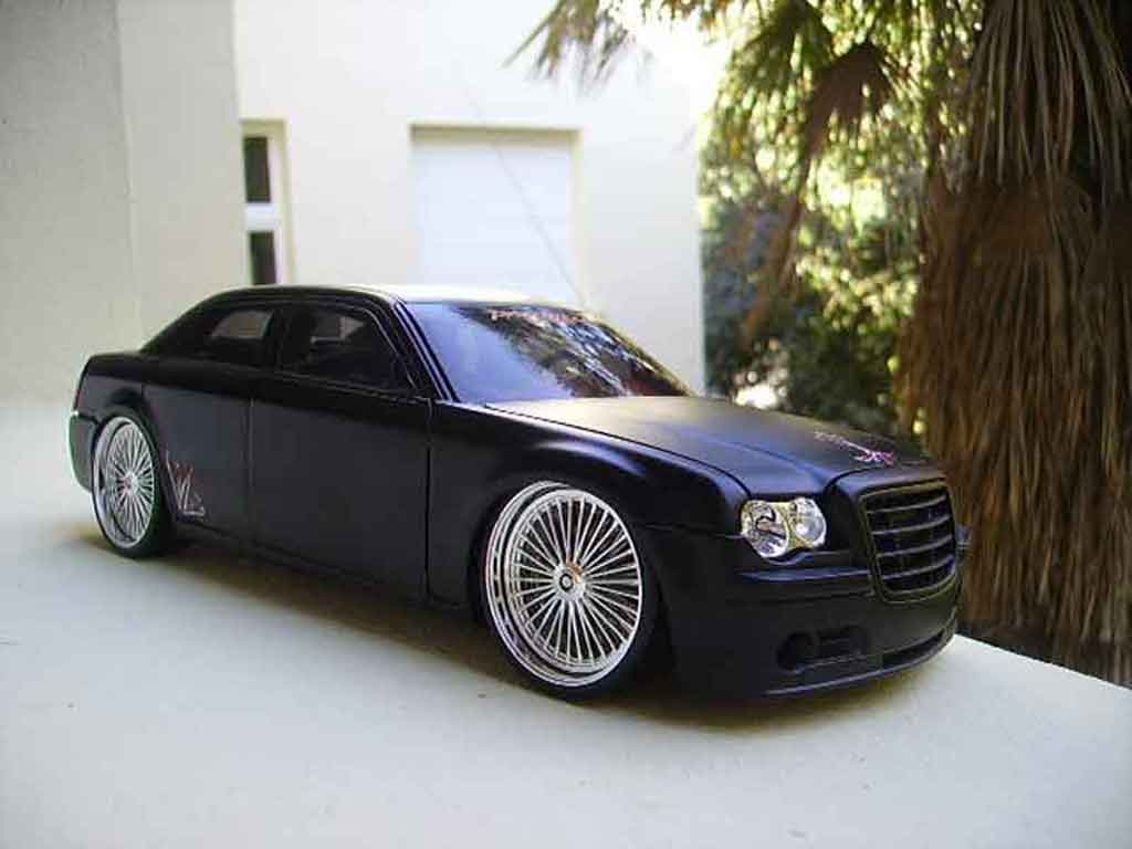 Chrysler 300C 1/18 Norev dub style miniature