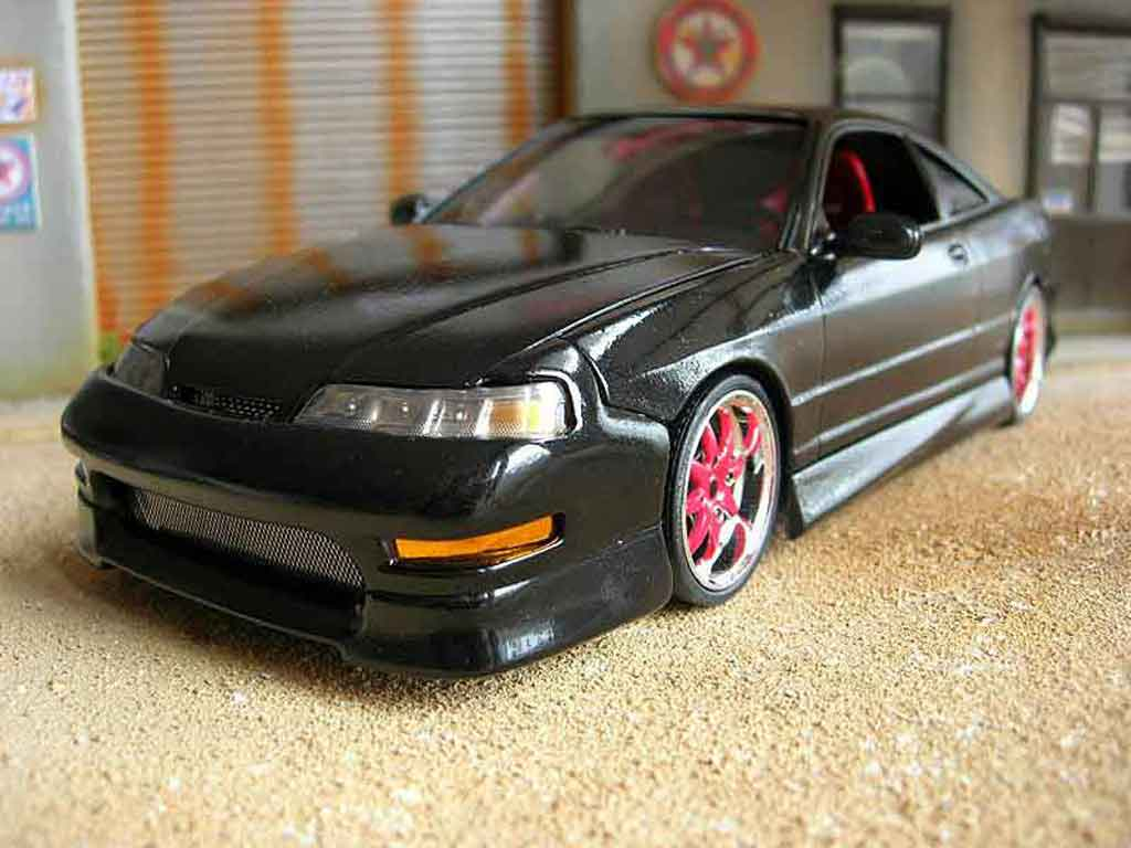 Honda Integra Type R 1/18 Hot Wheels jdm nero miniatura