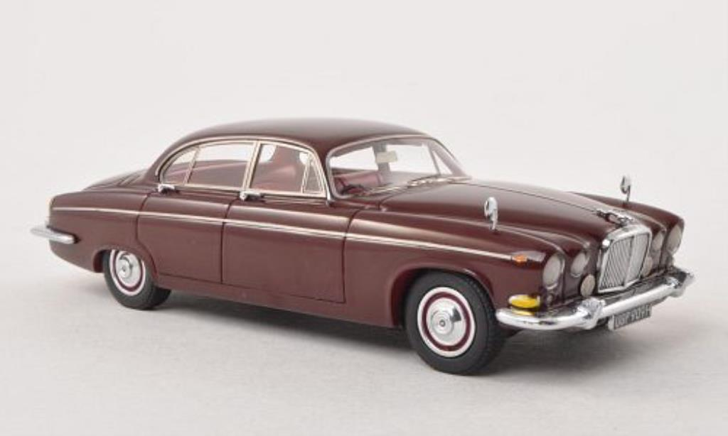 Jaguar 420 1/43 Neo G rouge-marron RHD 1967 miniature