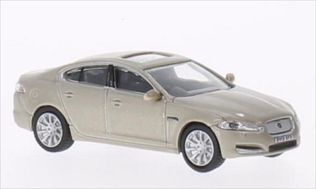 Jaguar XF 1/76 Oxford metallise beige RHD miniature
