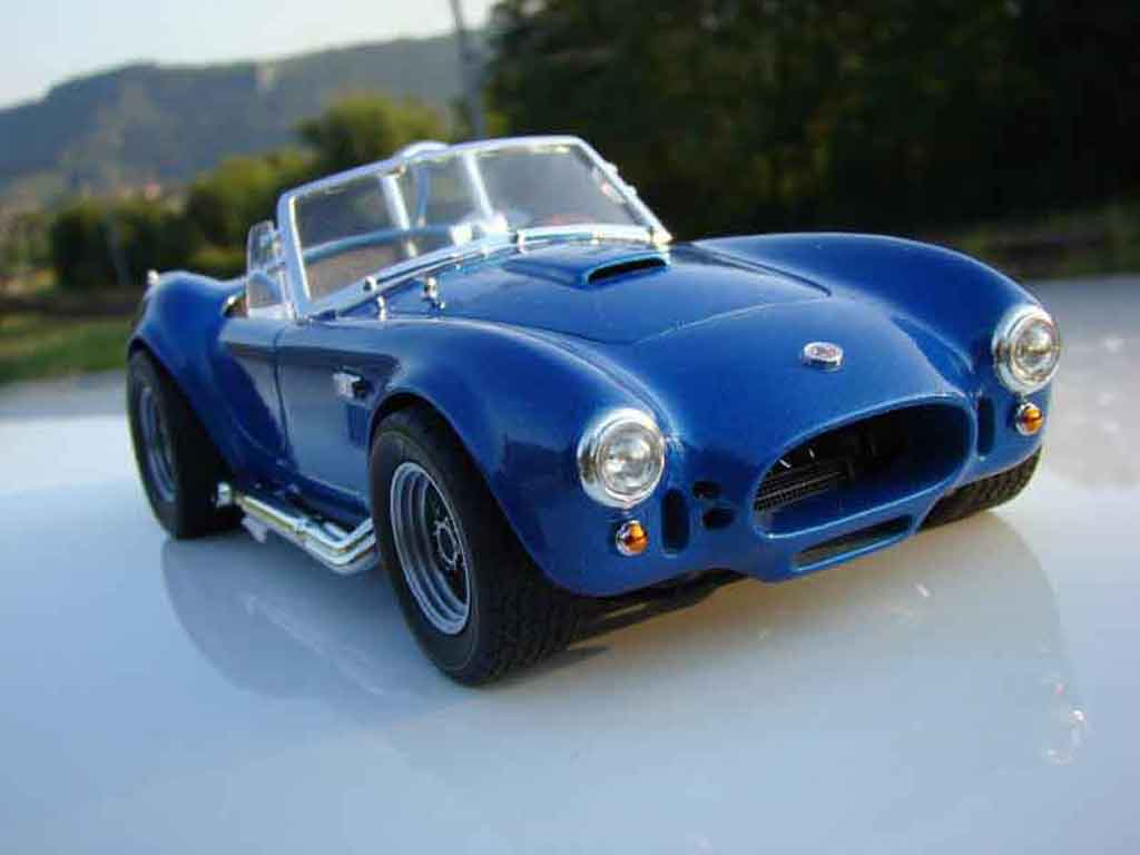 Shelby Ac Cobra 1/18 Road Signature 427 s/c bleue jantes gmp miniature