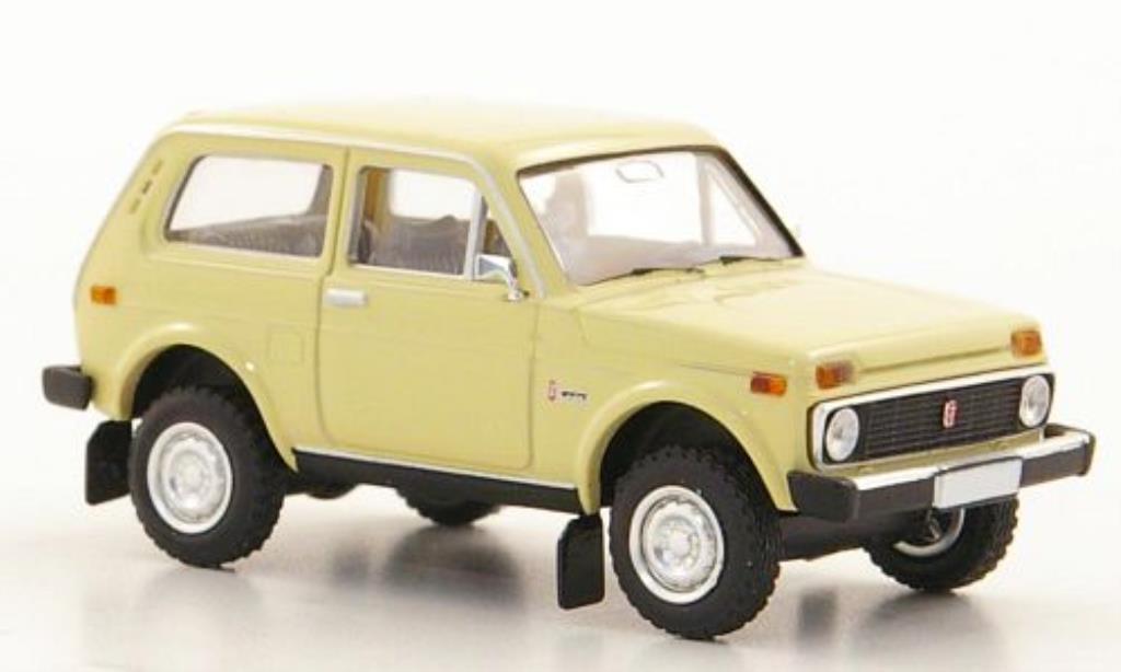 Lada Niva 1/87 Brekina beige modellautos
