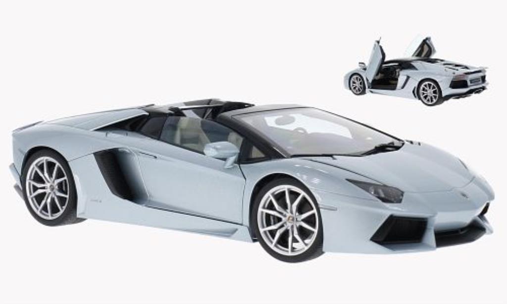 Lamborghini Aventador LP700-4 1/18 Autoart Roadster metallic-bleu 2013