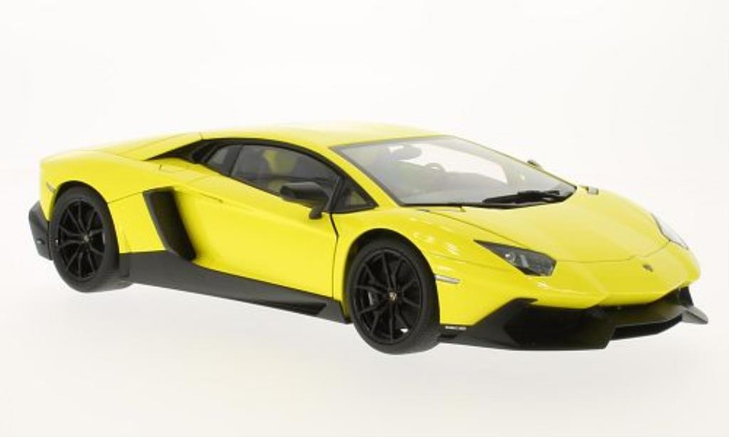 Lamborghini Aventador LP720-4 1/18 Autoart 50th Anniversary Edition yellow 2013 diecast model cars