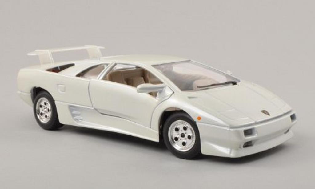 Lamborghini Diablo 1/24 Burago white diecast