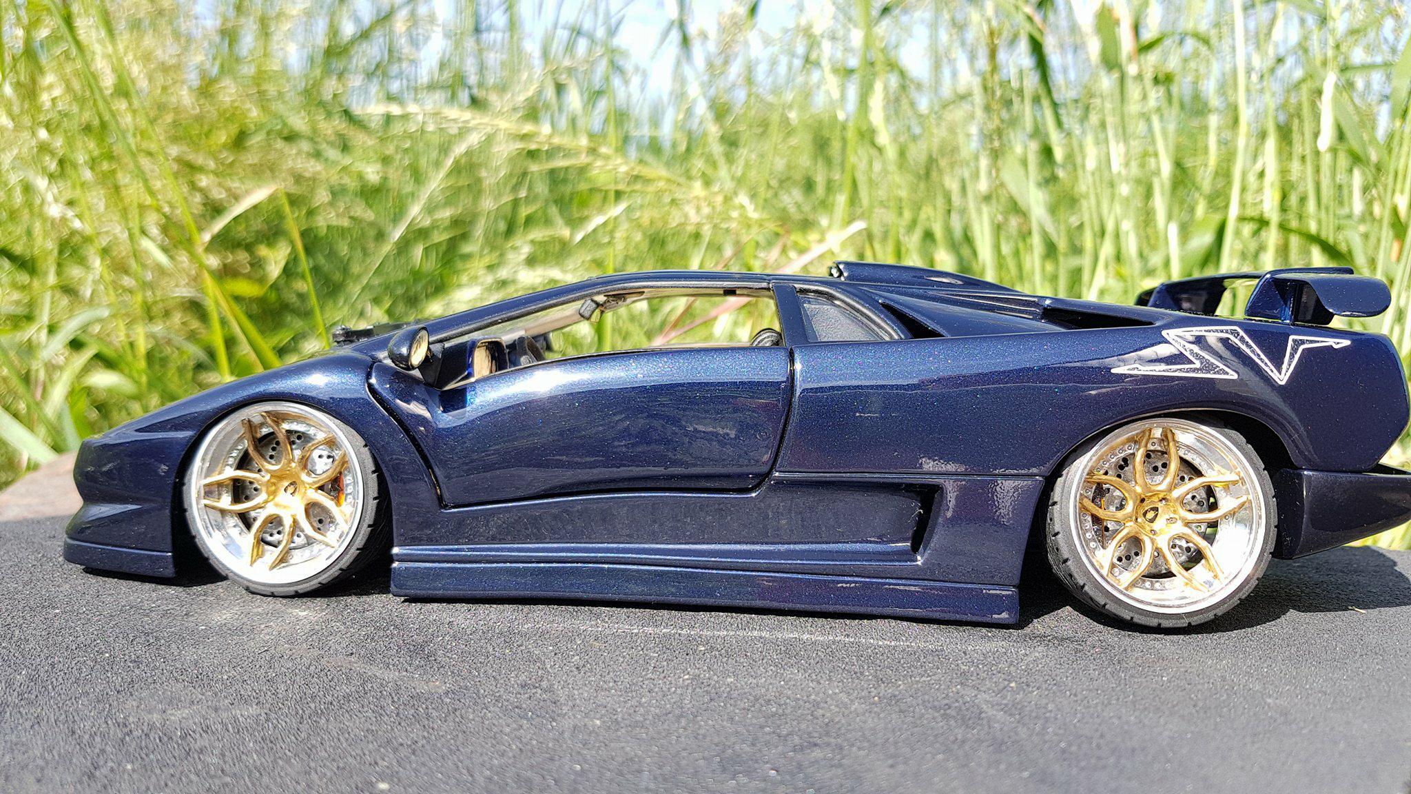 Lamborghini Diablo SV 1/18 Maisto blu fontus  jantes 20 pouces diecast