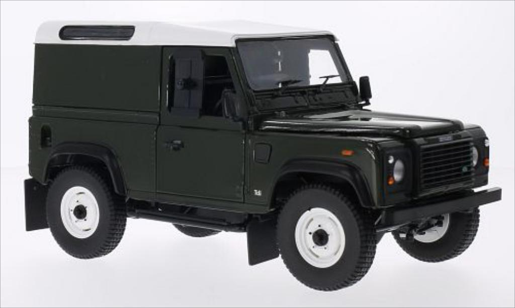 Land Rover Defender 1/18 Universal Hobbies 90 County Hardtop verte/blanche RHD 2004 miniature