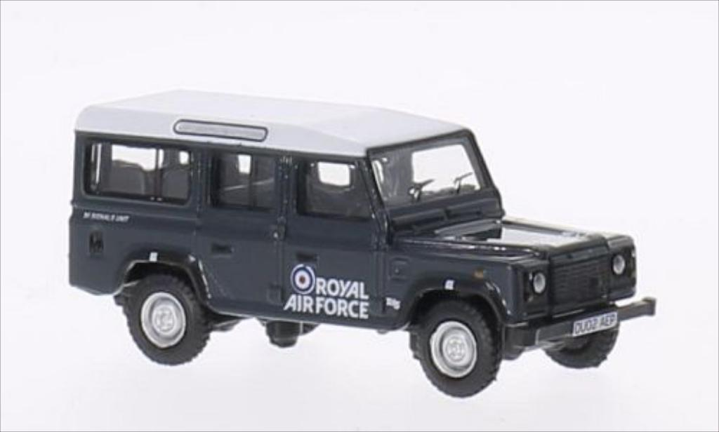 Land Rover Defender 1/76 Oxford Station Wagon RHD Royal Air Force miniature