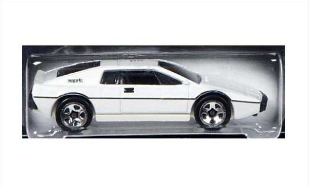 Lotus Esprit 1/64 Hot Wheels S1 blanche RHD James Bond 007 miniature