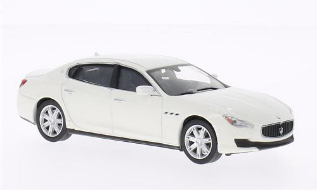 Maserati Quattroporte 1/43 WhiteBox GTS white 2013 diecast