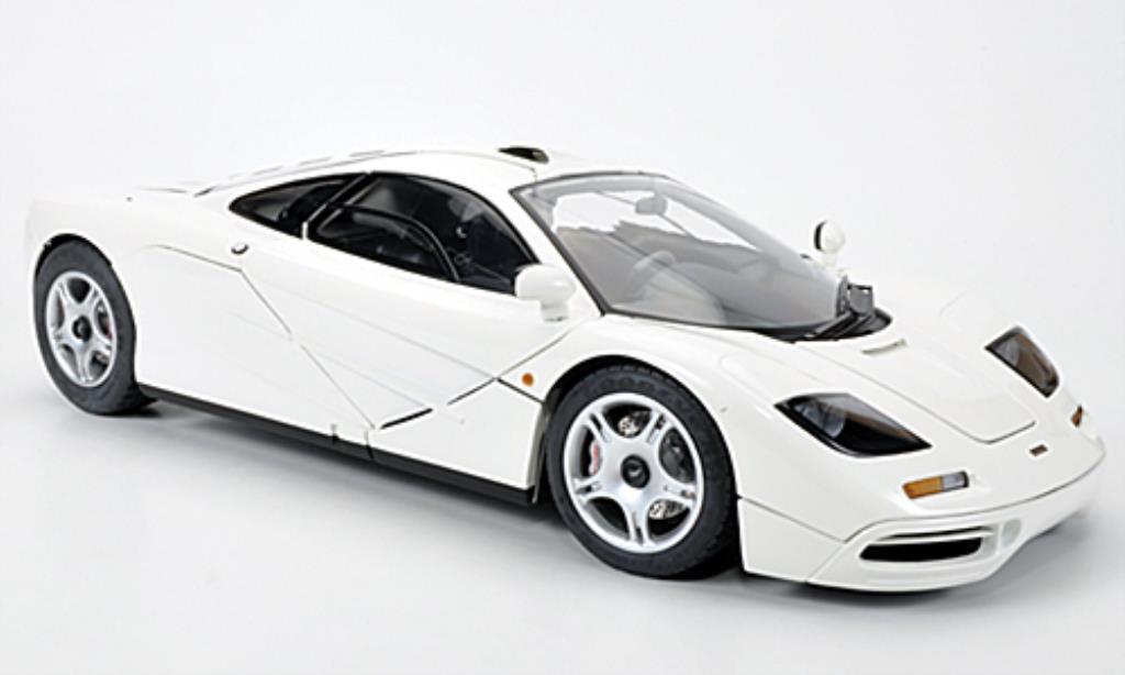 McLaren F1 1/12 Minichamps blanche 1994 miniature