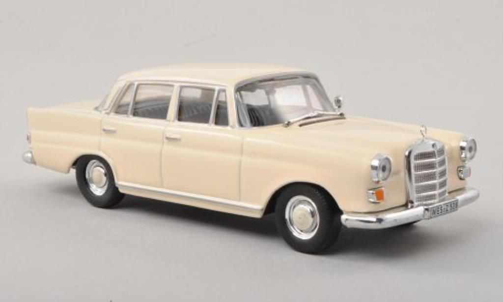 Mercedes 200 1/43 WhiteBox D (W110) beige 1965 diecast model cars