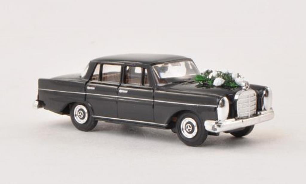 Mercedes 220 1/87 Busch Hochzeit 1959 diecast model cars