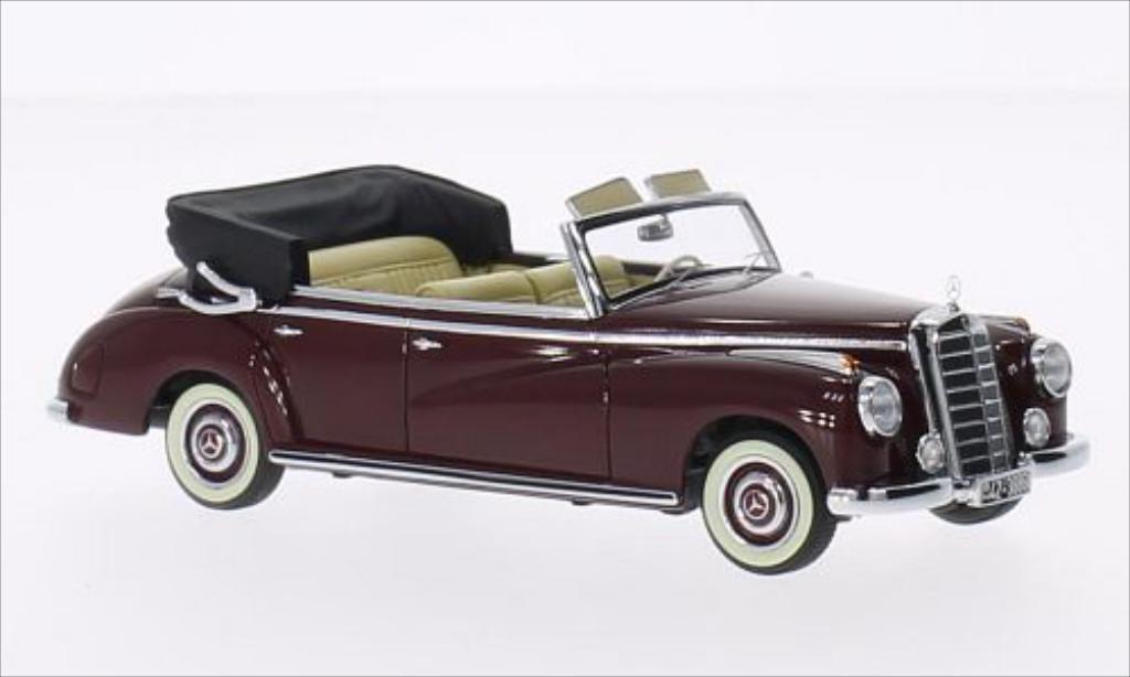 Mercedes 300 1/43 Minichamps Cabriolet (W186) rouge 1952 miniature