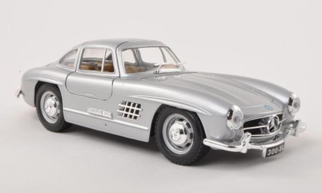 Mercedes 300 SL 1/24 Burago SL (W198) grise 1954