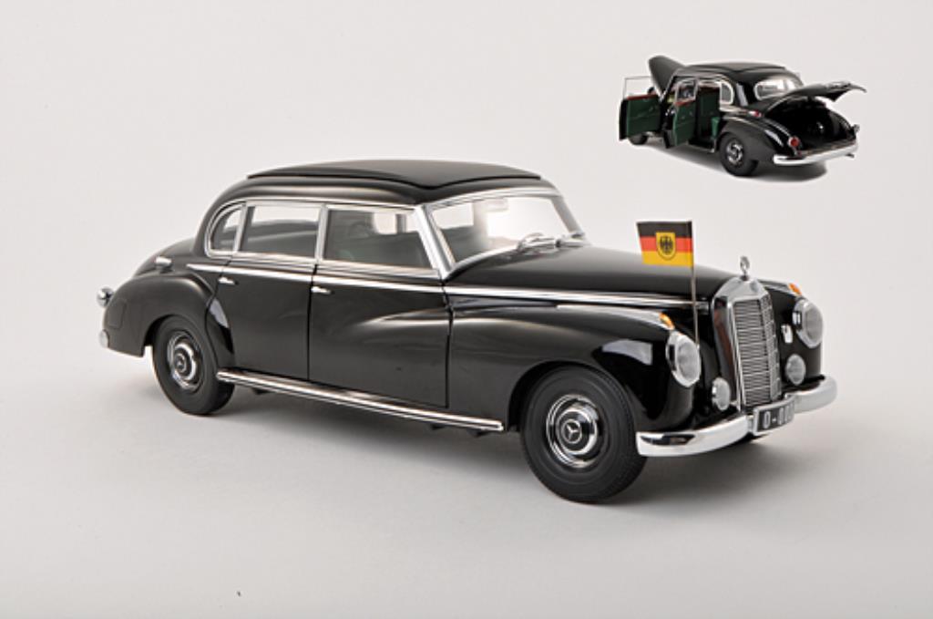 Mercedes 300 1/18 Norev (W186) Staatslimousine Adenauer noire miniature